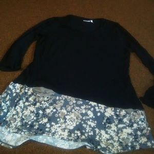 Logo flowered hem tunic